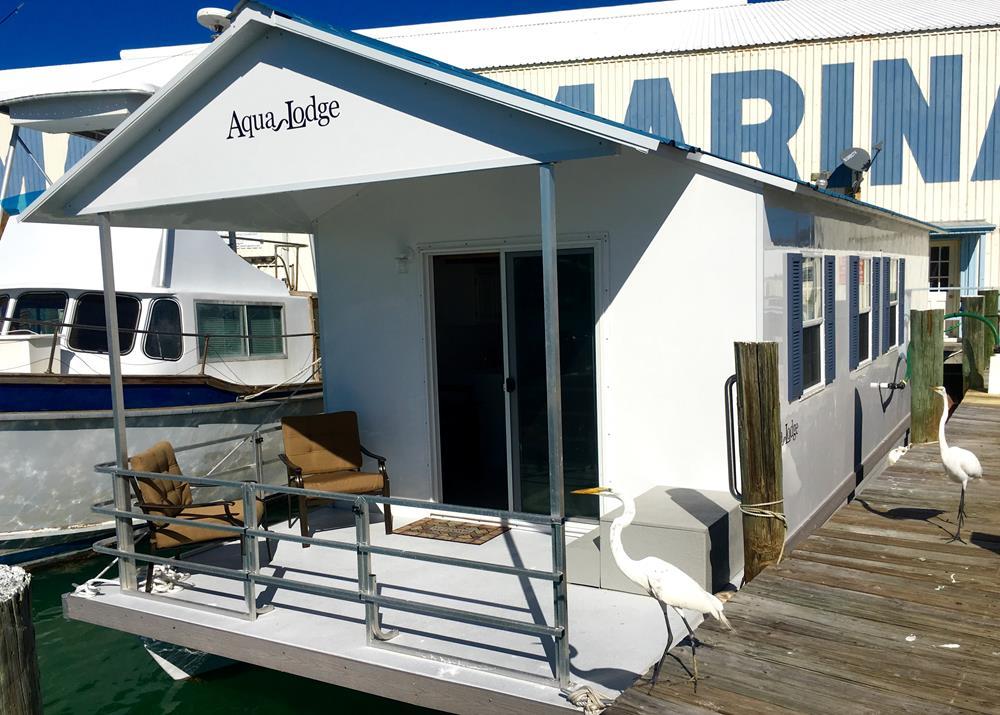 Aqua Lodge Houseboat - Bud n' Mary's Islamorada Fishing